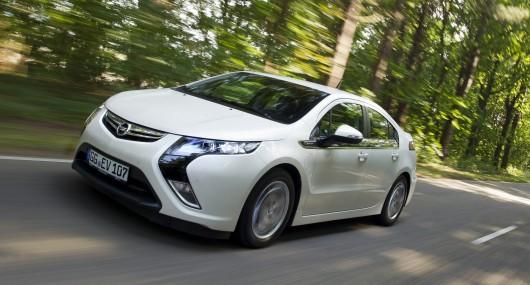 We Drive The New Opel Ampera Rev