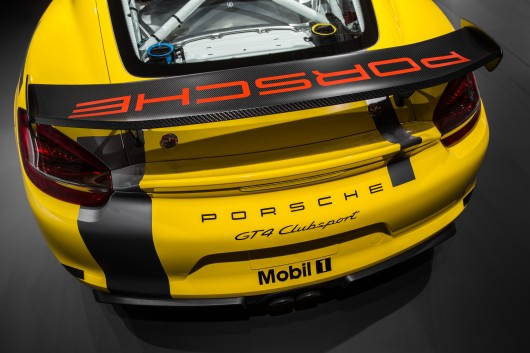 Porsche Cayman GT4-2