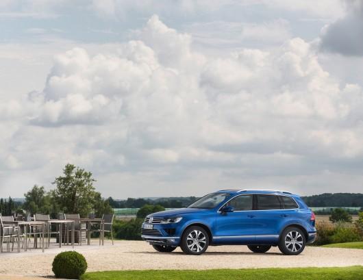 Volkswagen-Touareg_2015_1600x1200_wallpaper_07
