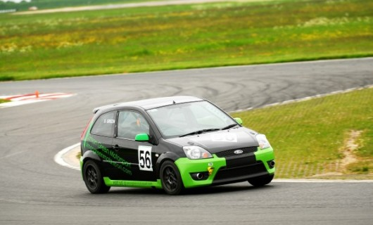ford-fiesta-st-race-trackday-car-on-track-596x360