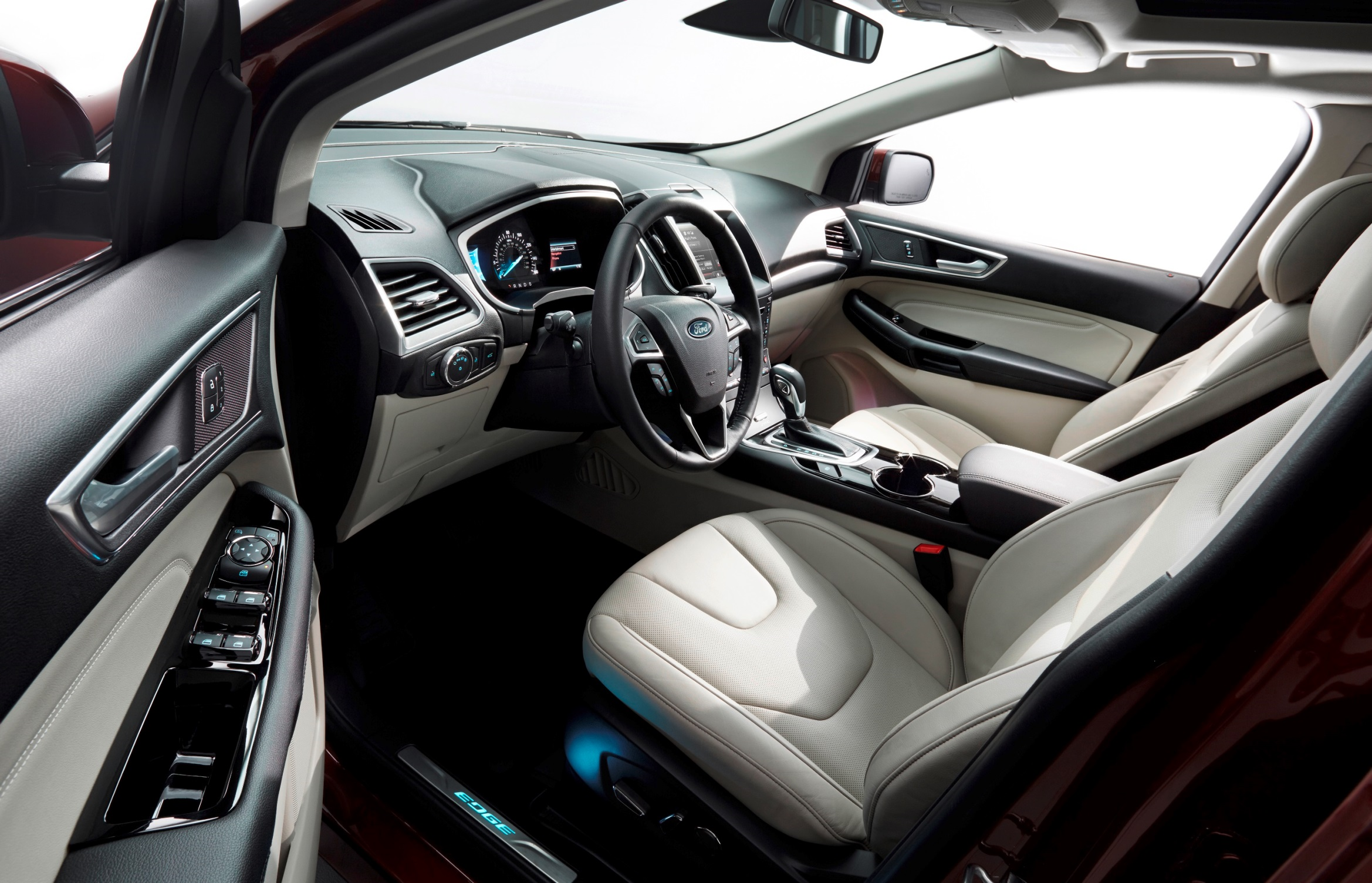 27 Ford_Edge interior