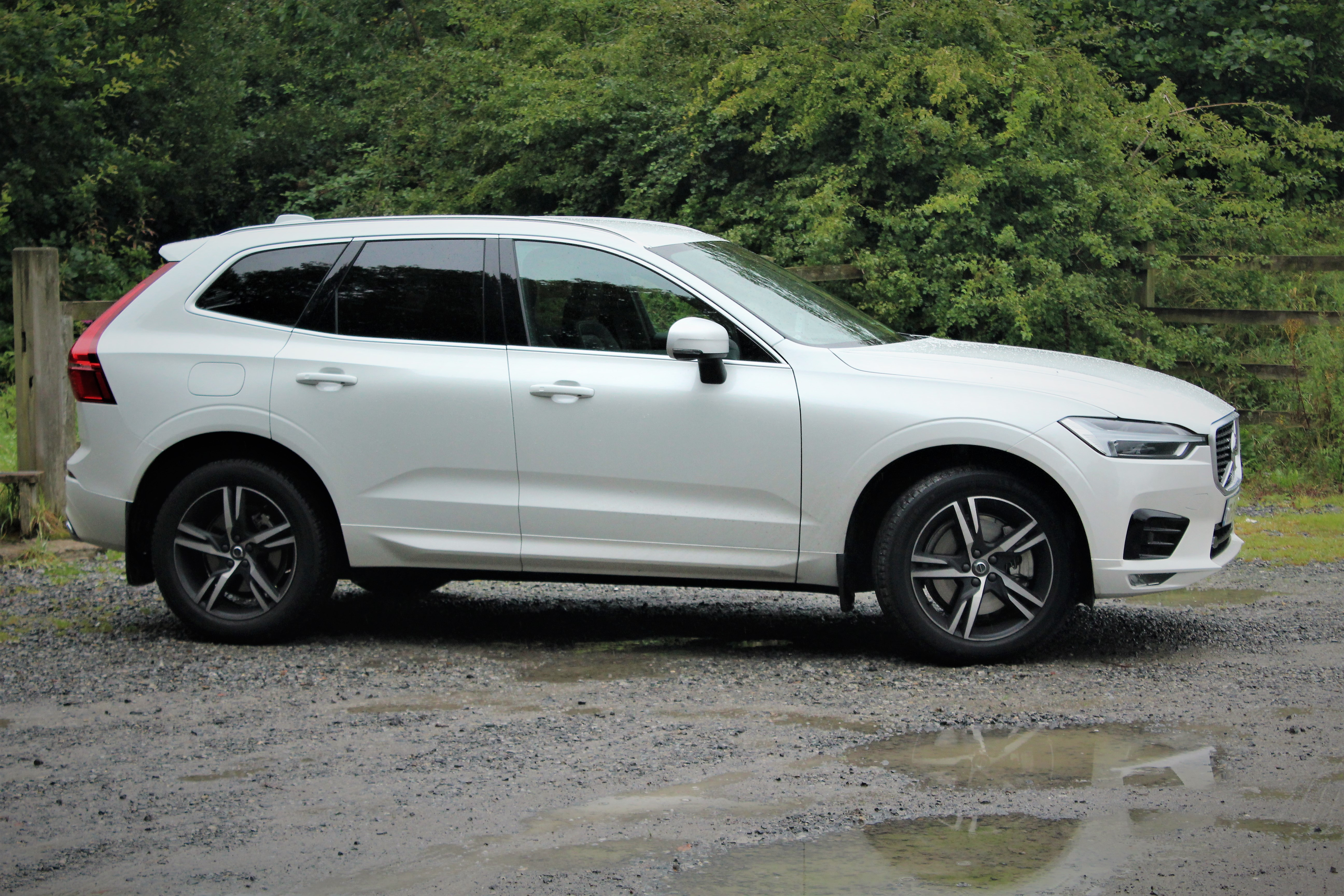 volvo xc60 d5 awd r design. Black Bedroom Furniture Sets. Home Design Ideas